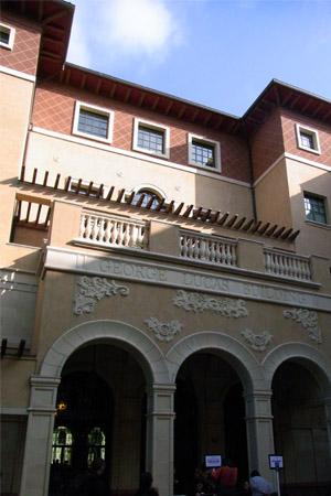 USC ジョージ・ルーカス・ビルディング